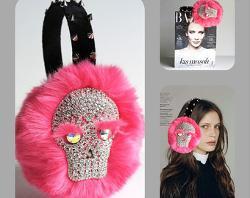 April delouvre - Pink faux fur eRmuffs