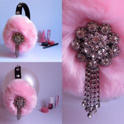 April Delouvre - Chanel 3,Scream Queens, Pink faux fur earmuffs