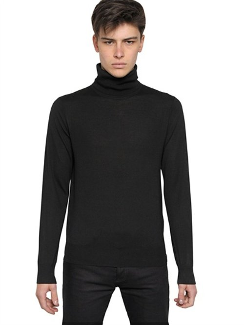 Embroidered Turtle Neck Sweater Mens 32